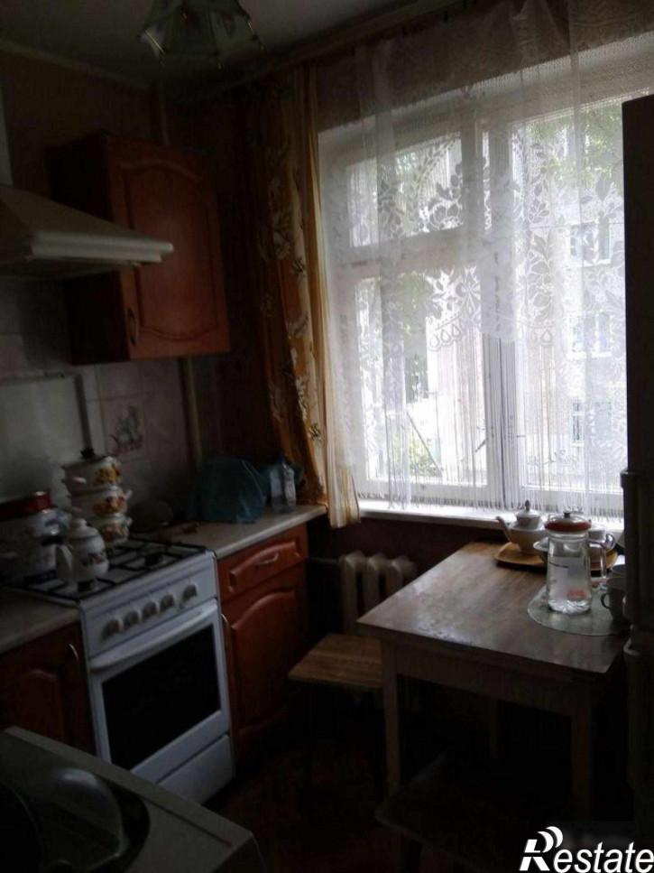 2-комн квартира Чекистов ул, 66